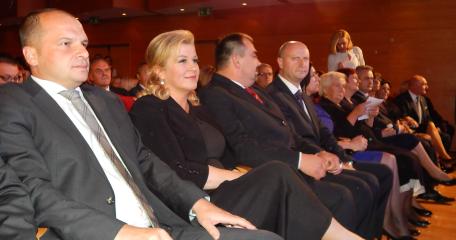 kajkavske popevke 2015 dvorana politika