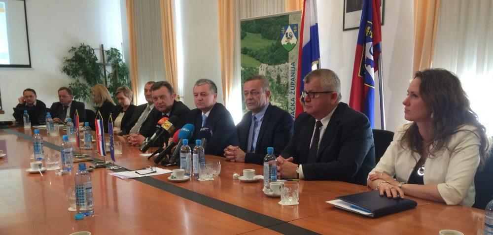 Ministar poduzetništva i obrta Darko Horvat na sastanku s koprivničko-križevačkim županom Darkom Korenom i suradnicima